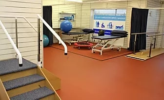 Spacious well-equipped physiotherapy clinic, Spacious walking practice areas, private treatment areas well equipped physio clinic